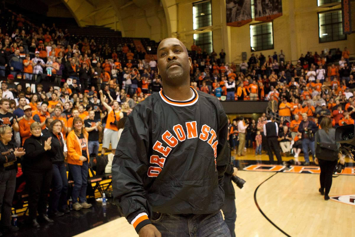 He's Back in the House!  Well Gary Payton was indeed there tonight but the highlight was seeing his son Gary Payton II play well in his opening game for Oregon State