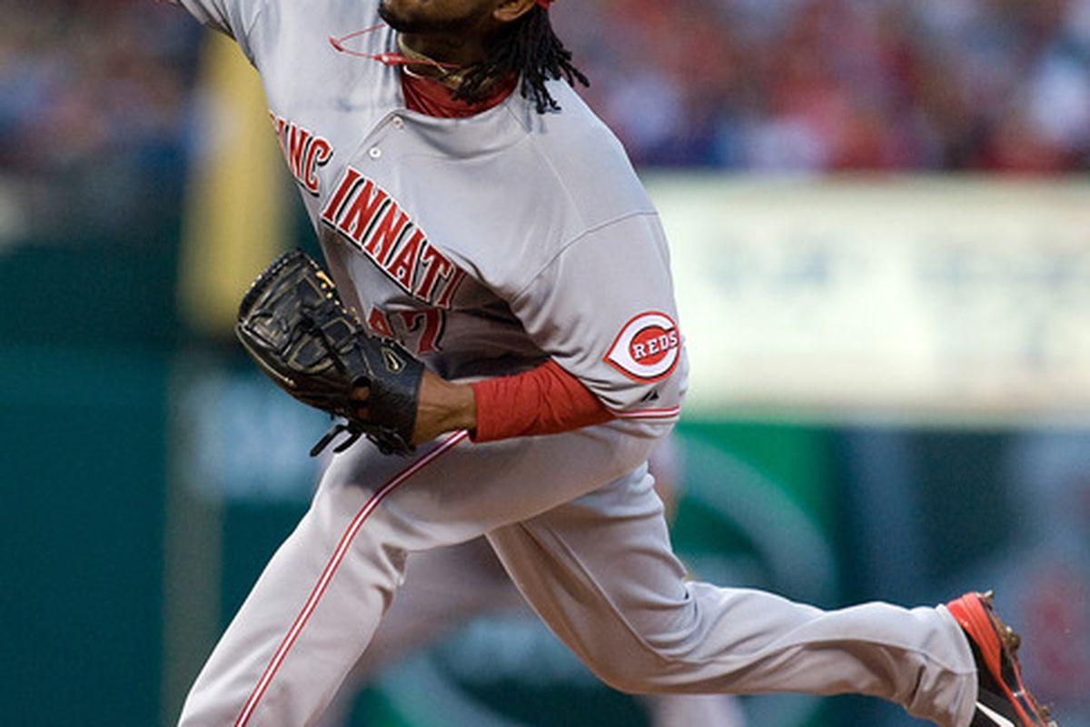 Cueto's laboring, Reds are flailing, sobriety's sailing