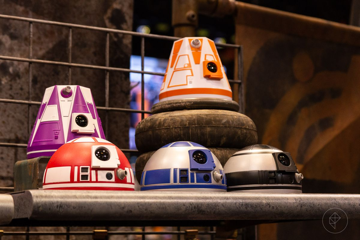 How Fans Will Build Their Own Droids At Disney S Star Wars