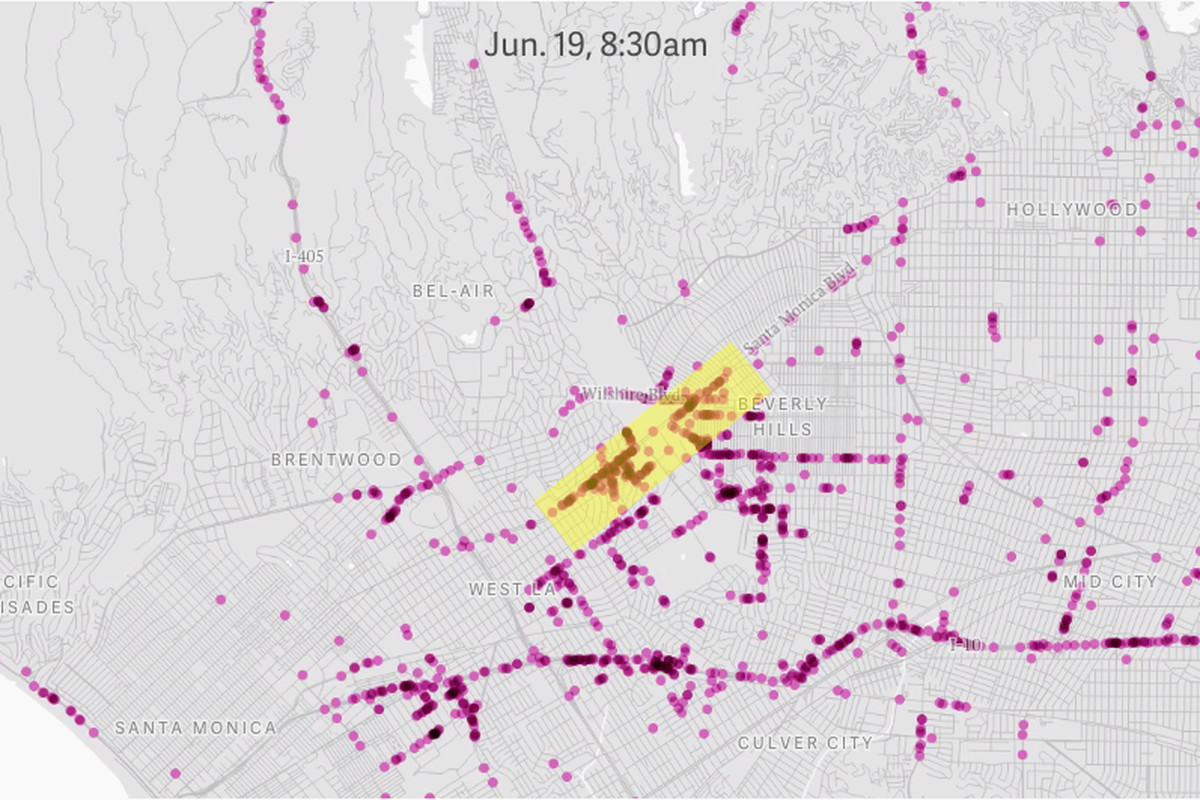 """Traffic reported on Waze while the President was in town. The yellow shows the area around his hotel, the Beverly Hilton. Via <a href=""""http://qz.com/489989/watch-how-a-presidential-motorcade-can-double-a-neighborhoods-traffic-in-an-instant/"""">Quartz<"""