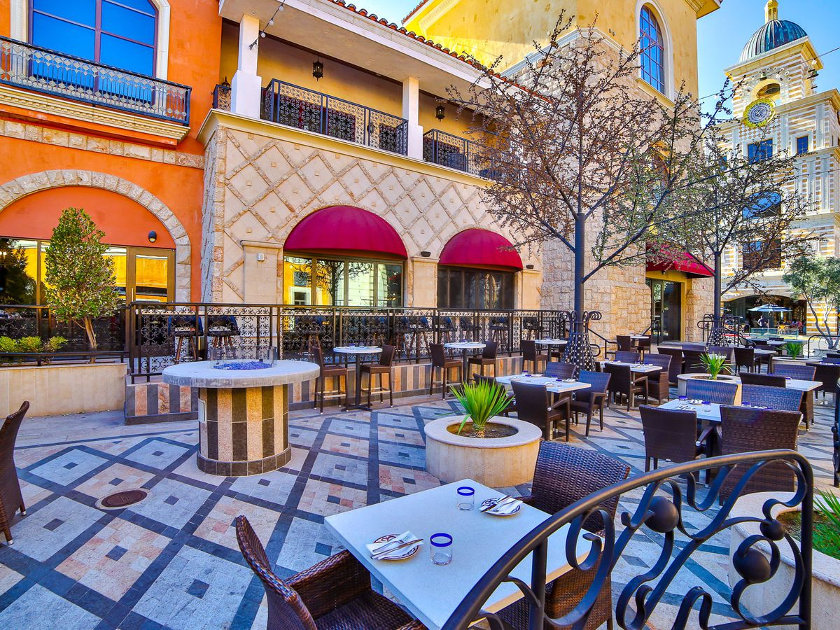 A patio in front of a building in Las Vegas