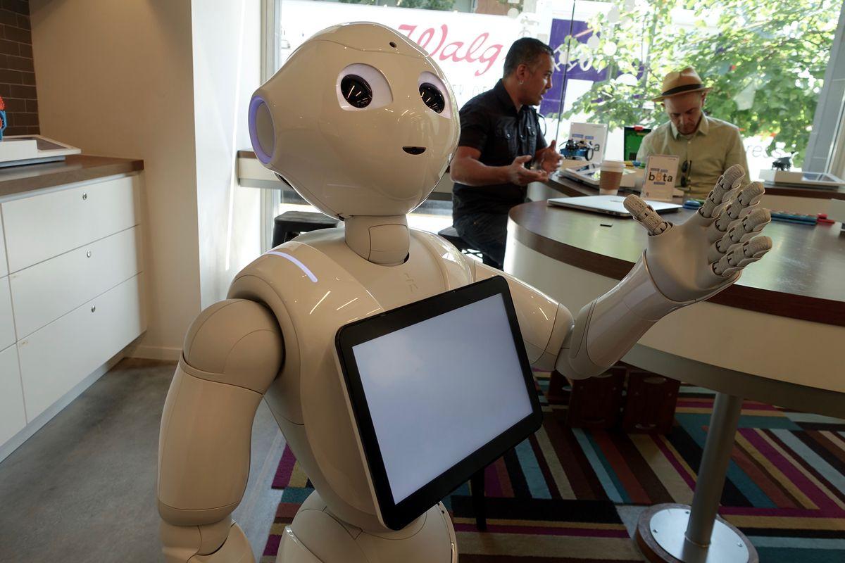 pepper-softbank-robot
