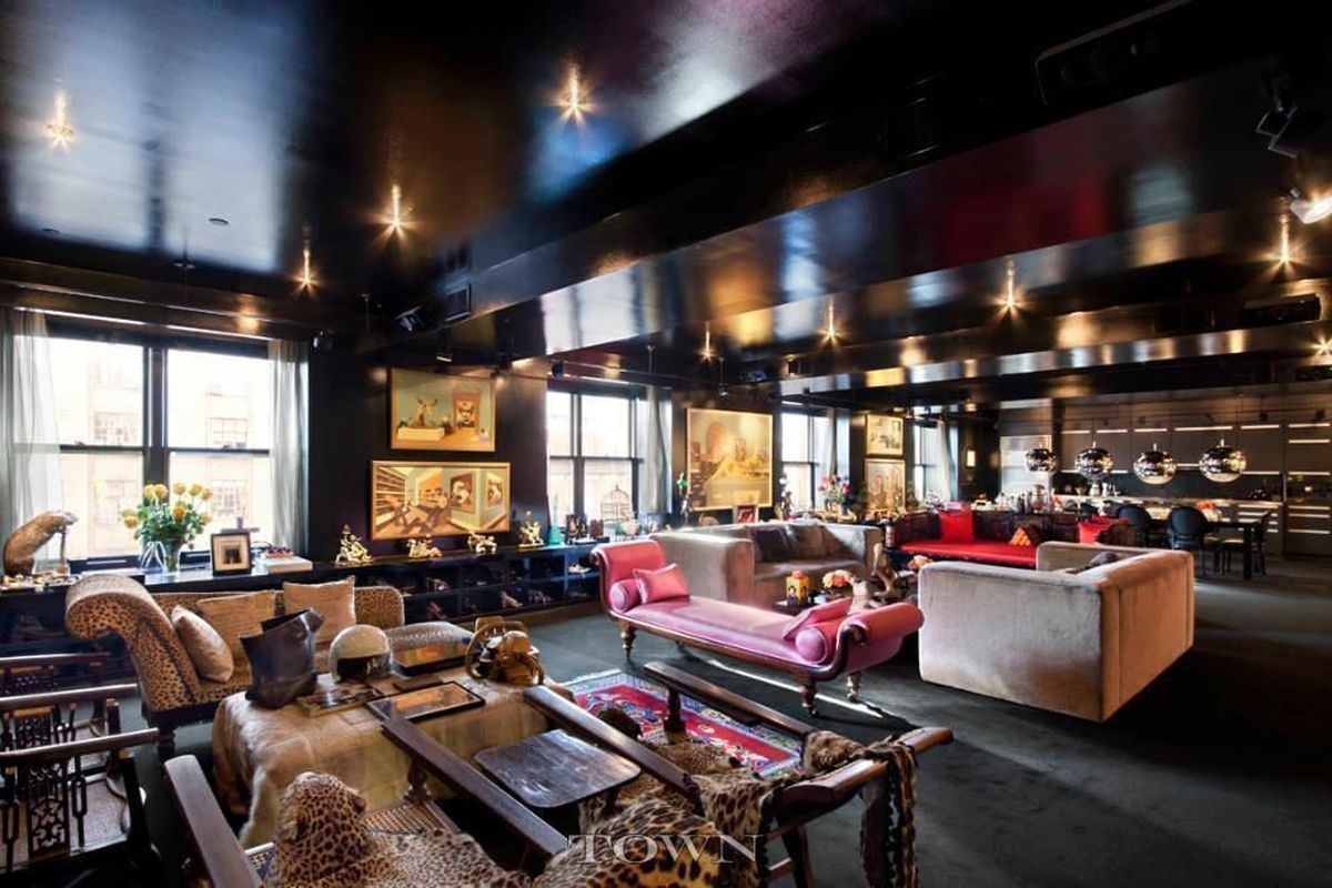 Chelsea S Infamous All Black Condo Finds A Er At 4 5m