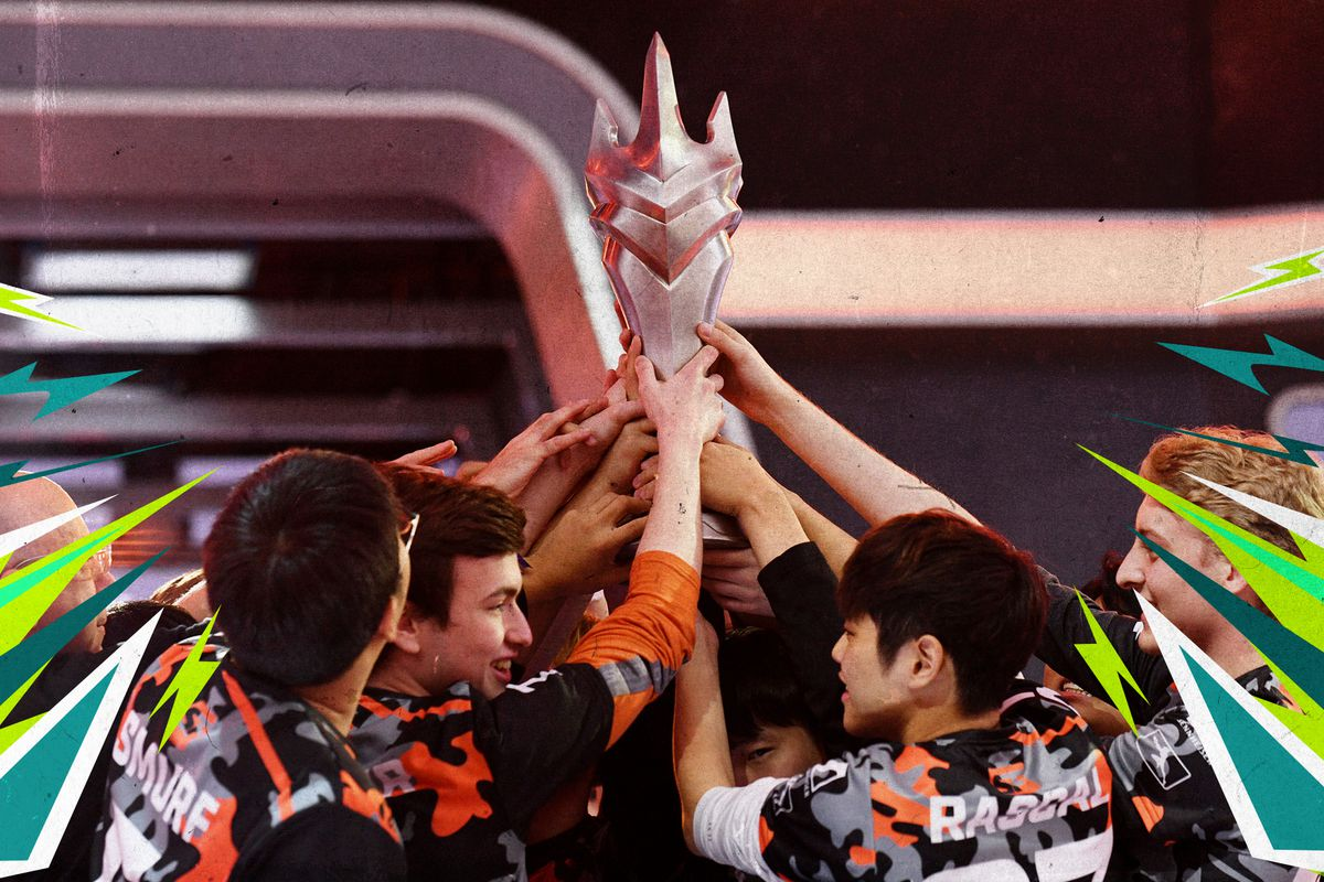 The San Francisco Shock huddled together, holding up the trophy for the 2019 OWL Championship.