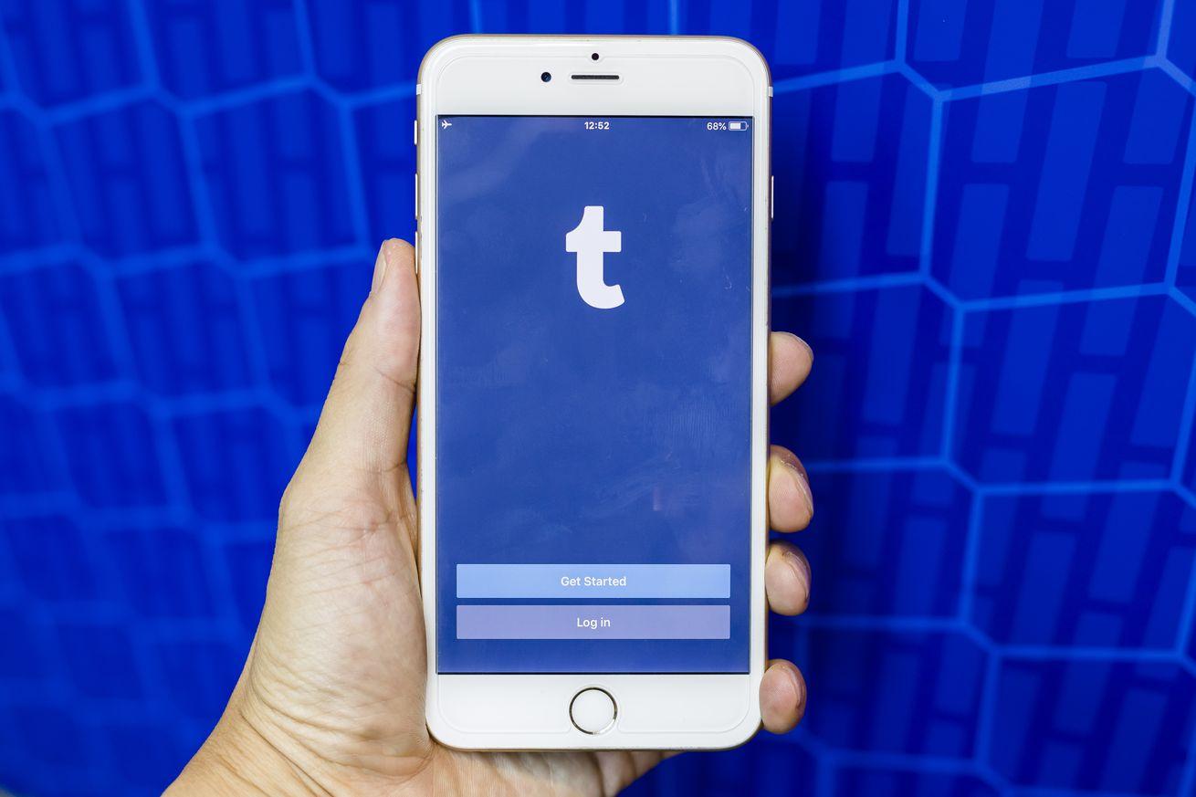 Social Media Apps on Smart Phones