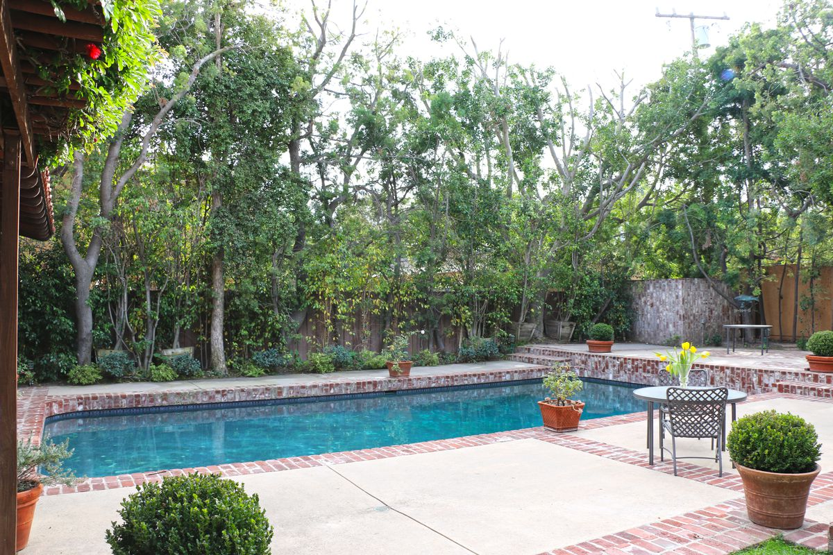 Monty Hall house - swimming pool