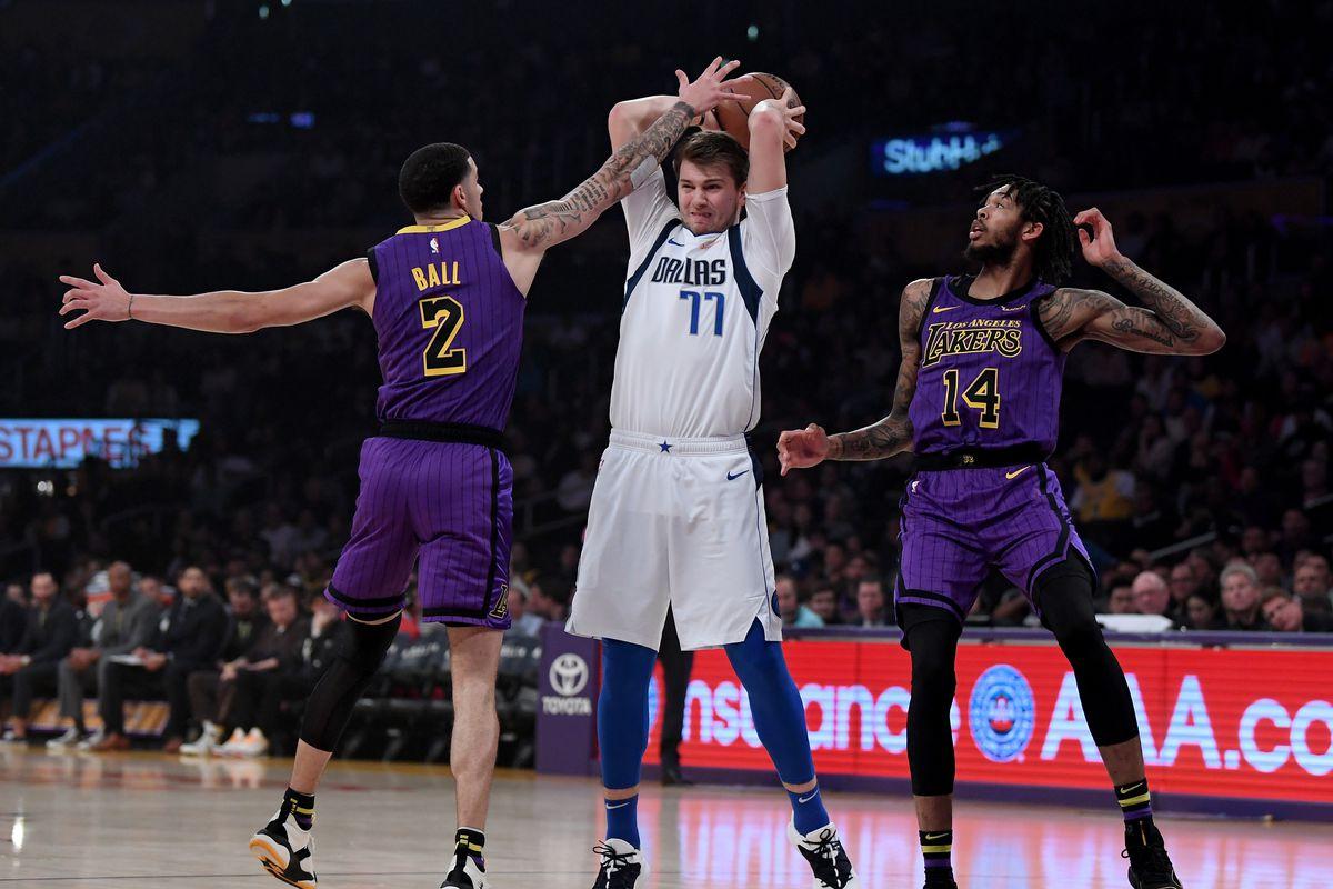 Lakers Vs Mavericks Final Score L A S Defense Looks