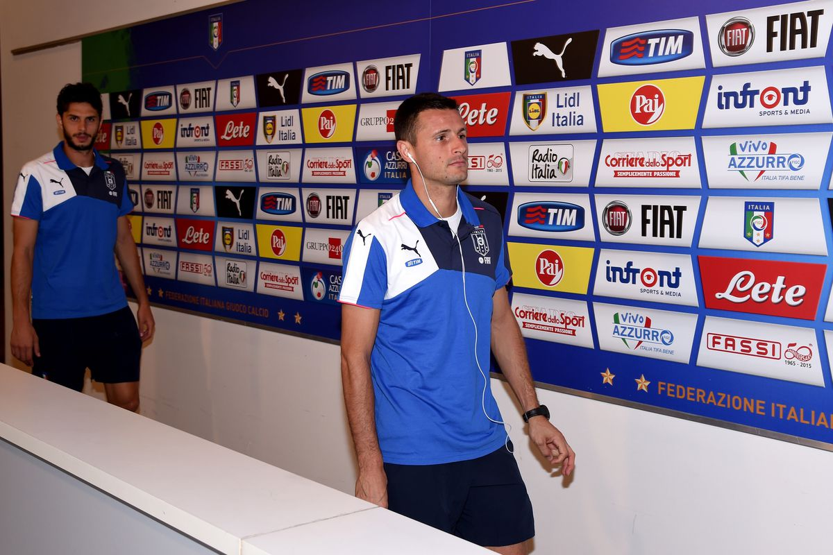 Former captain Manuel Pasqual is one of the Fiorentina players who will not be called up this week, as Davide Astori remain's Fiorentina's sole Italy representative.