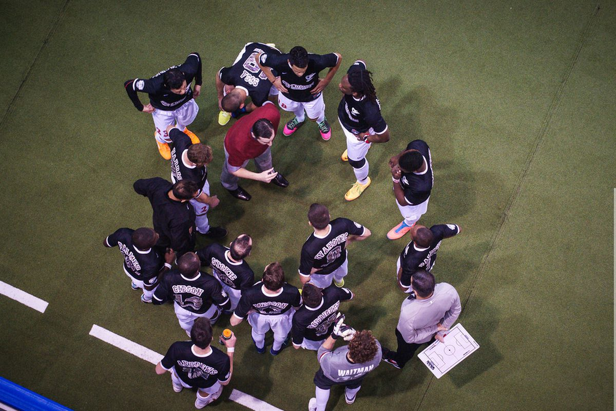 Comets huddle to figure a way to break down the Blast