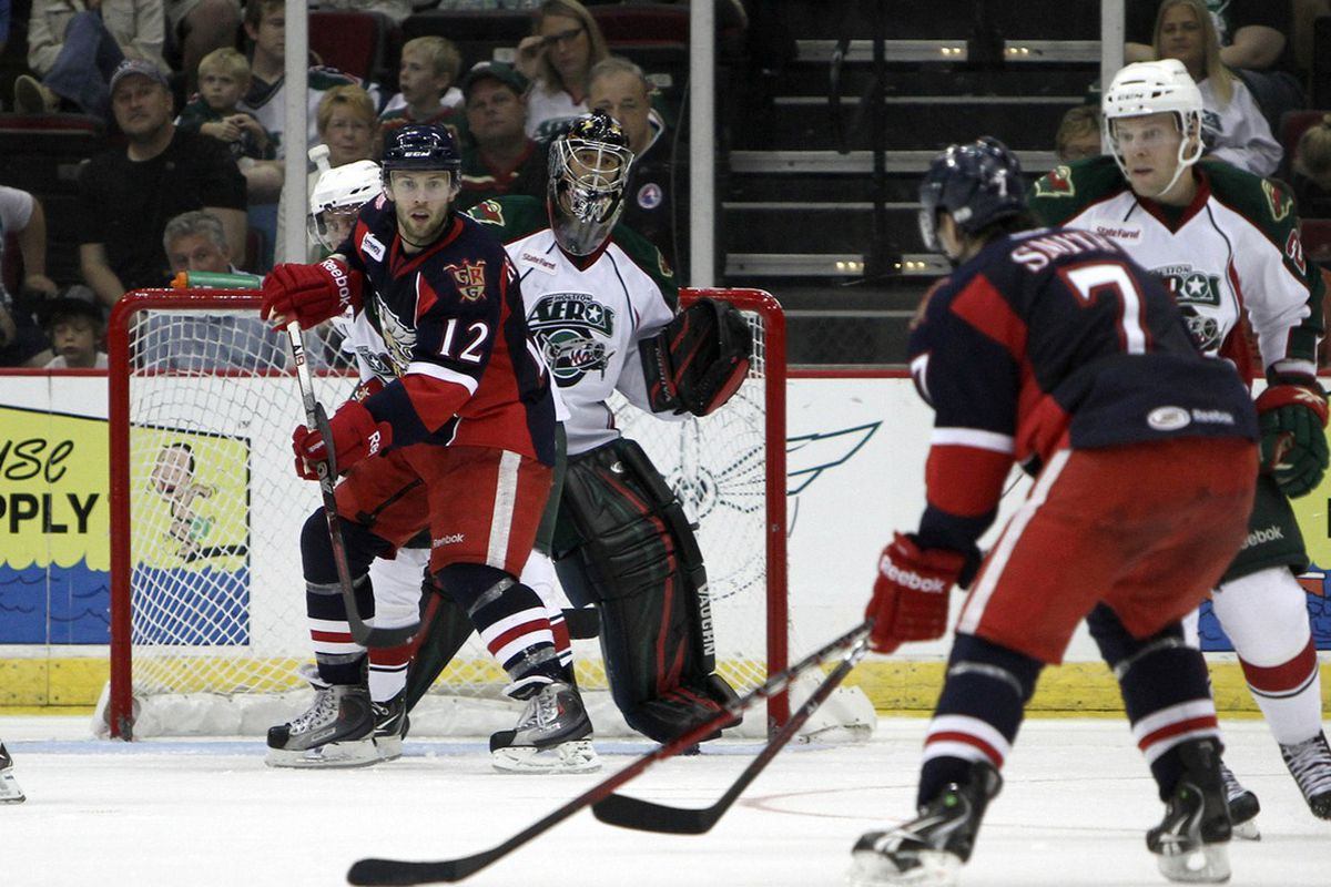 Dennis Endras tracks the puck through traffic against the Grand Rapids Griffins. Photo by Morris Molina/Houston Aeros
