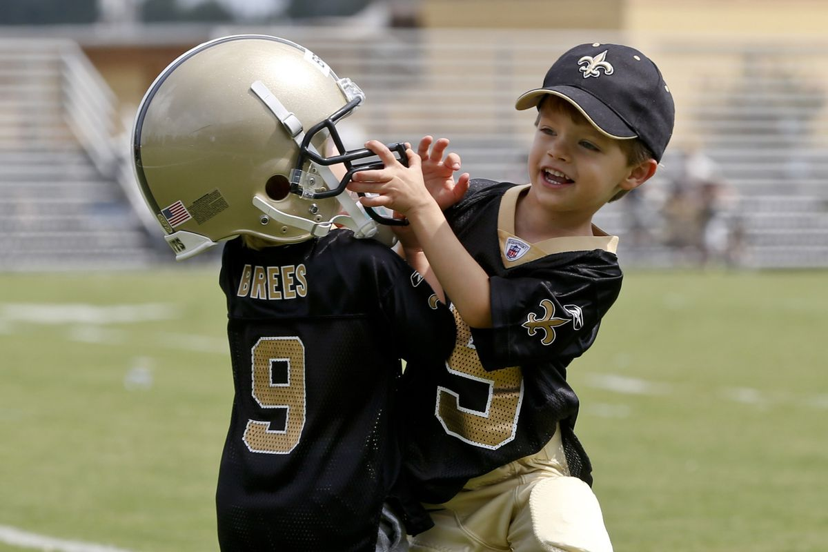 Will these boys join their father in the HOF same day? With technique like that, only if they buy tickets.