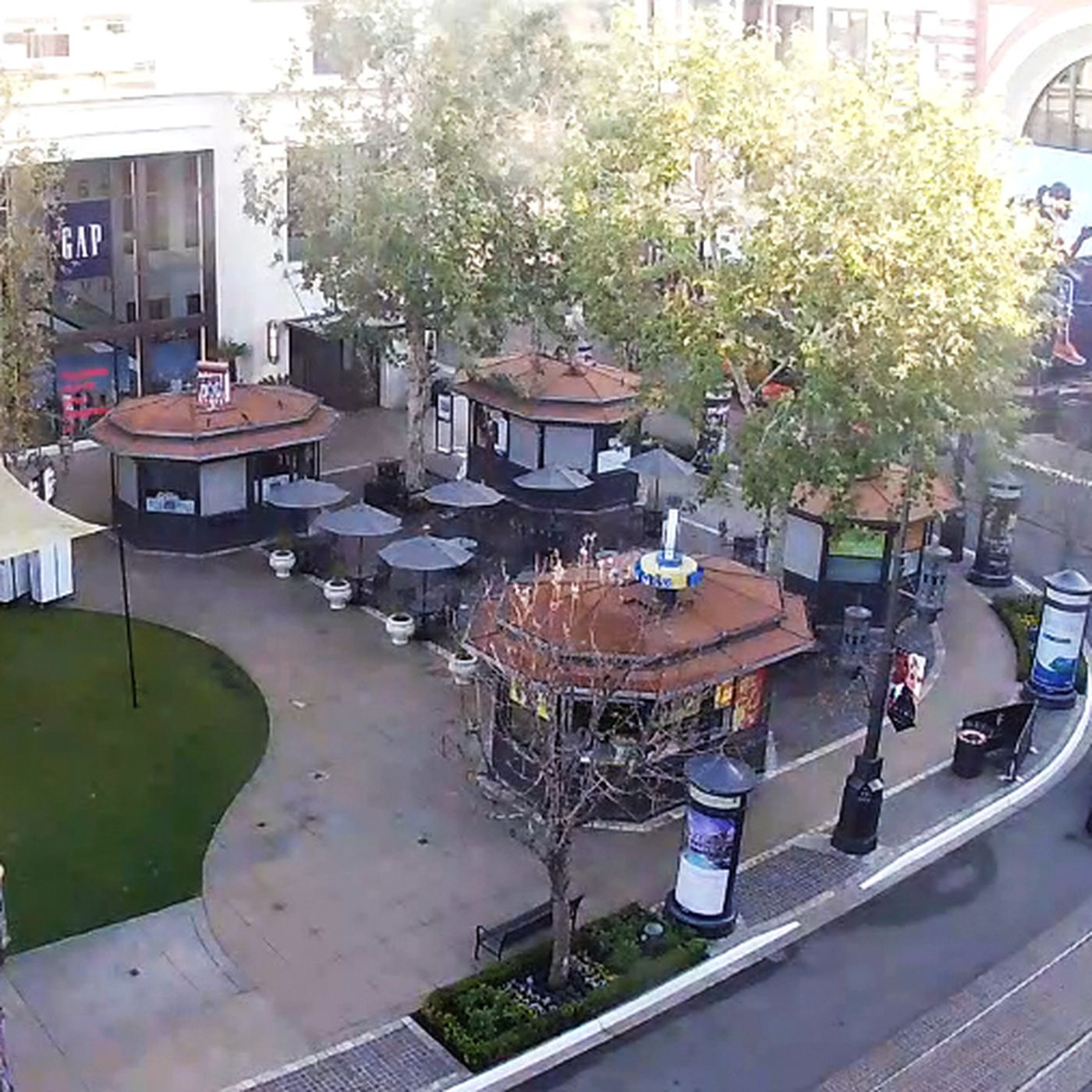 Embutido sabiduría habilitar  Yes! Nike Is Taking Over Abercrombie & Fitch's Former Digs at The Grove -  Racked LA