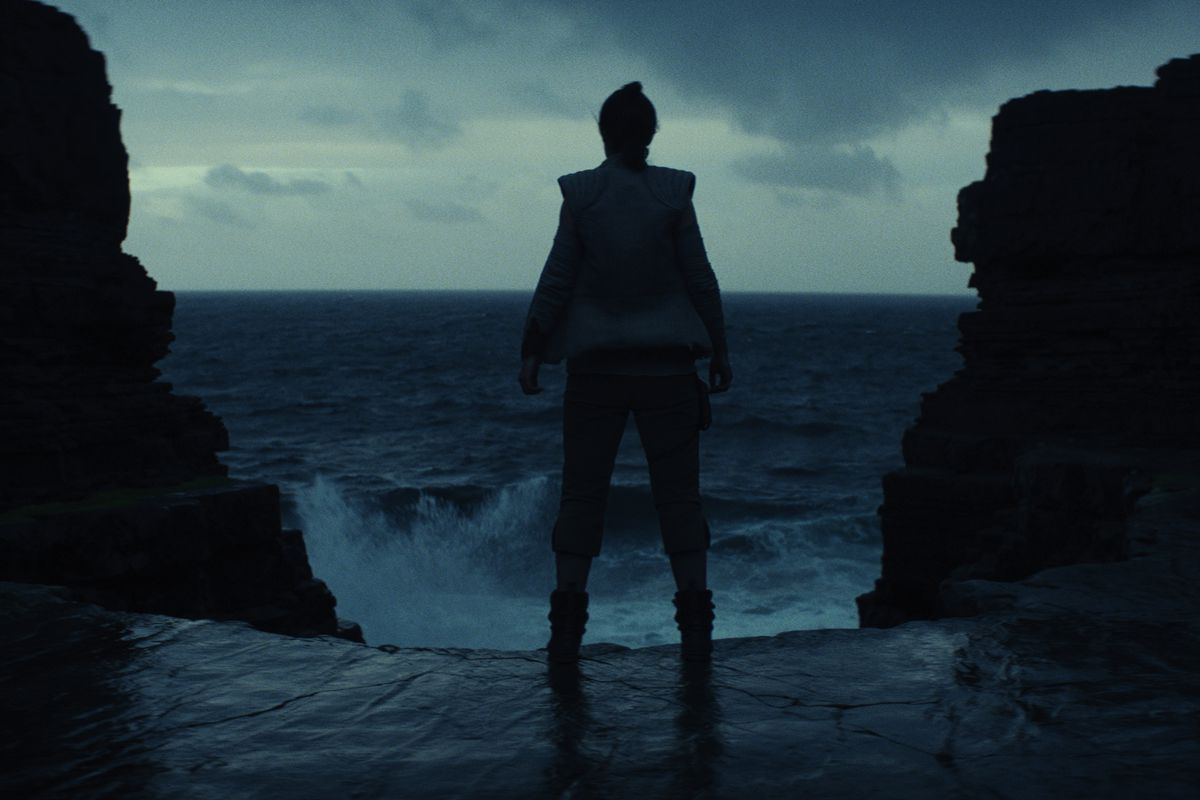 New Details on Star Wars: The Last Jedi Characters and Places