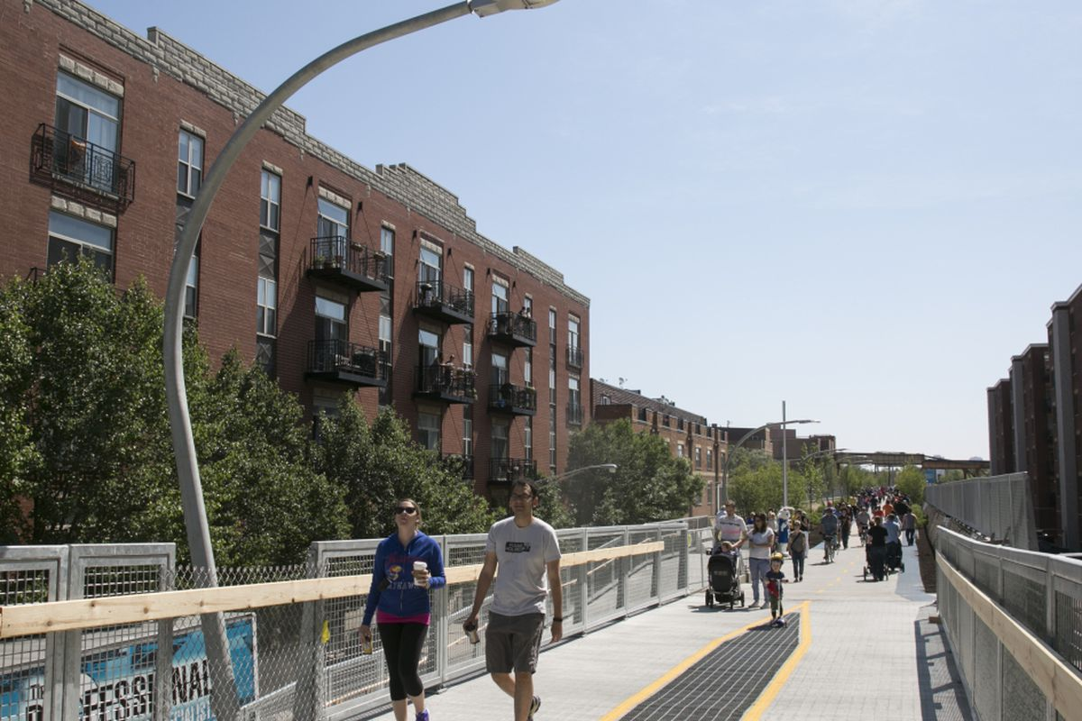The Bloomingdale Trail, also known as the 606, is shown when it opened in 2015. Since then, it has become popular and crowded, and housing prices in the areas along the 2.7-mile trail have climbed, feeding fears that gentrification will push out lower-income residents.