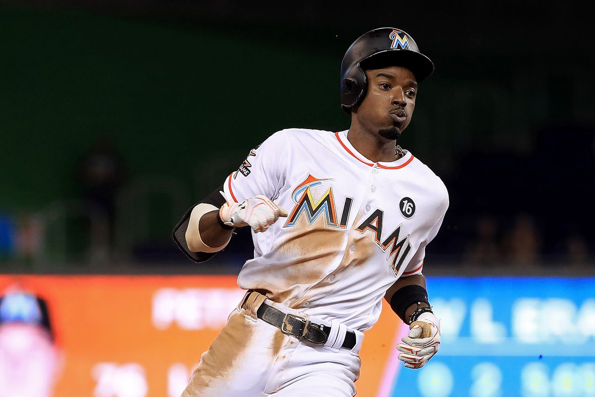 sports shoes 89158 52179 Twitter reacts to the Dee Gordon trade - Fish Stripes