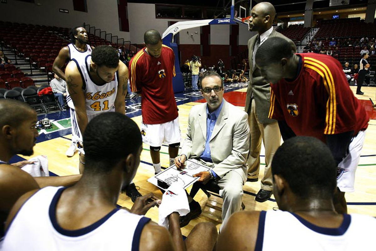 Paul Woolpert drawing up a play during a timeout in Tulsa.   <em>(Photo courtesy Layne Murdoch/NBAE/Getty Images)</em>