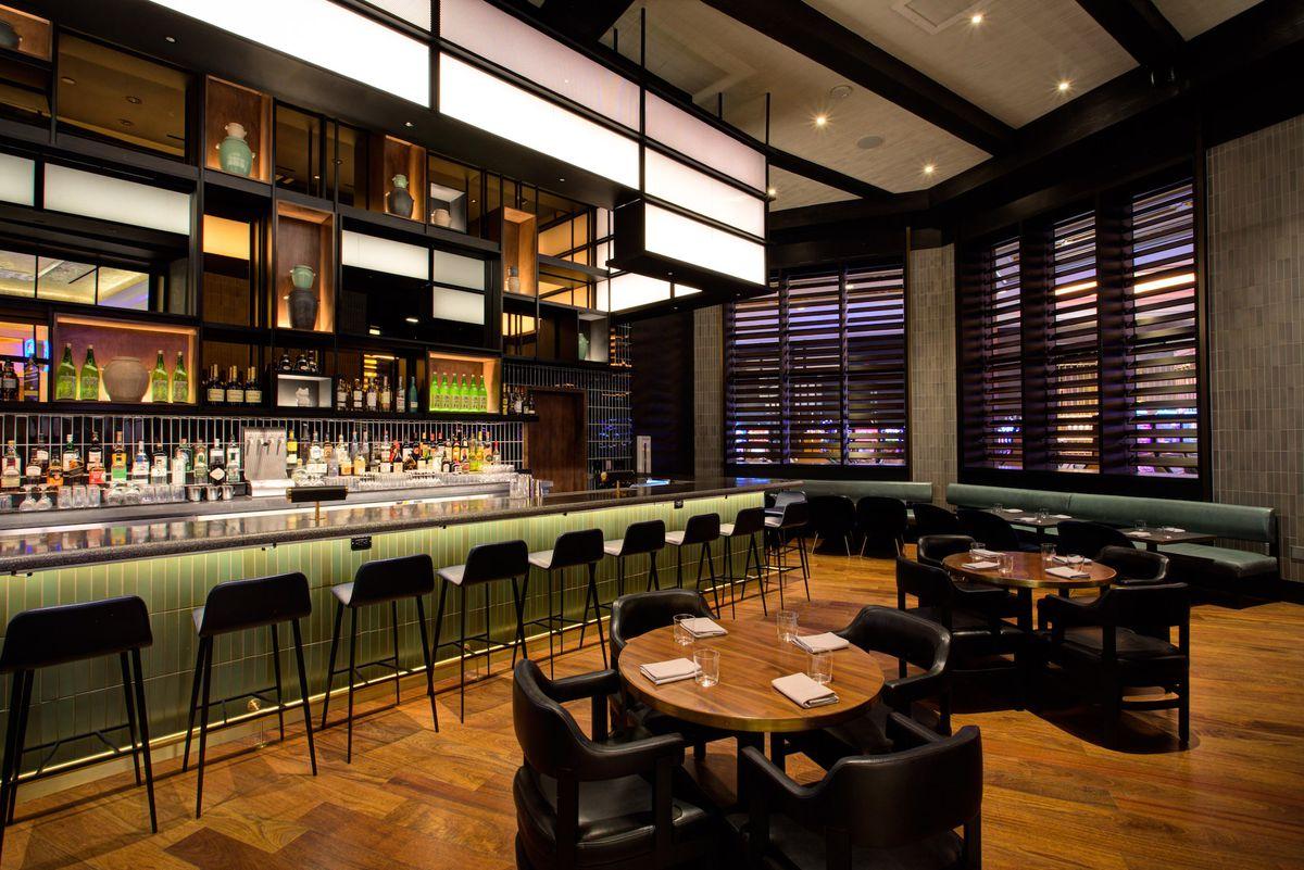 The bar and lounge at Majordomo