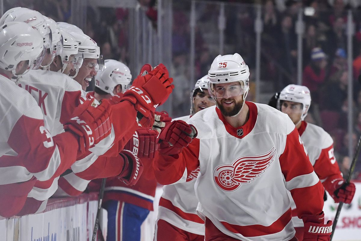 Bell Centre a happy habitat for the Wings: Detroit beats Montreal 2-1