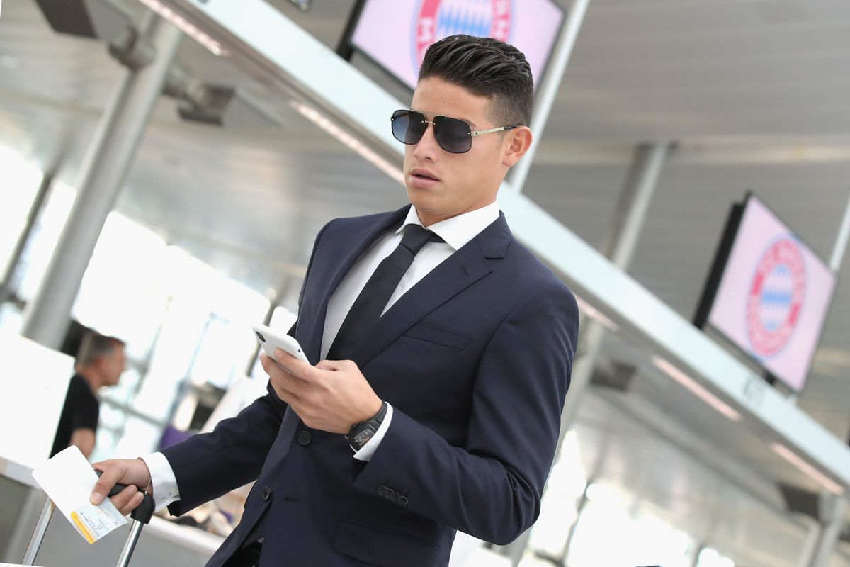 MUNICH, GERMANY - OCTOBER 22: James Rodriquez of FC Bayern Muenchen arrives at the airport for the team flight to the UEFA Champions League match in Athens at Airport Munich on October 22, 2018 in Munich, Germany.