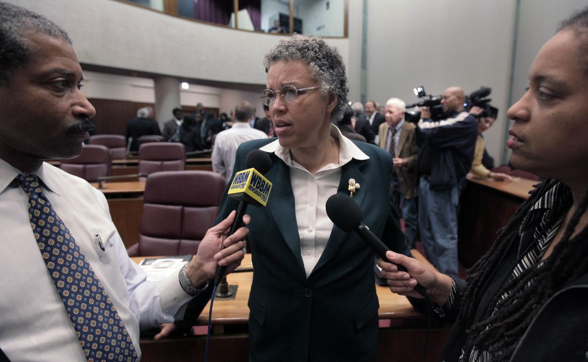 Then-Ald. Toni Preckwinkle speaks to reporters at a 2009 City Council meeting.