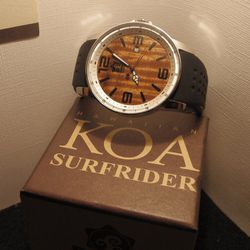 Hawaiian brand Pono Woodworks gifted their sustainable wood accessories, like their Surfrider watch ($170).