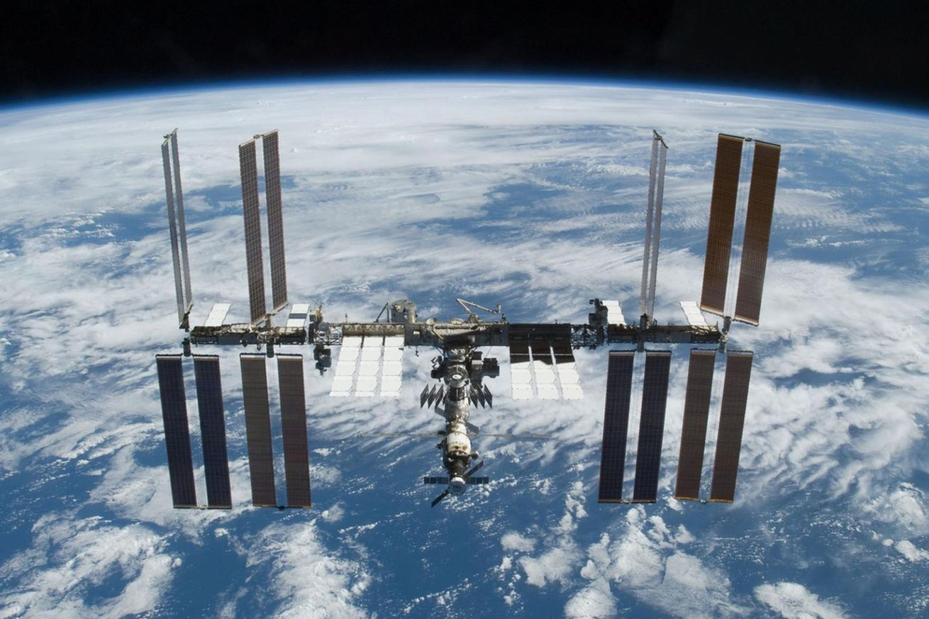 trump s plan to privatize the iss by 2025 probably won t work nasa s inspector general says