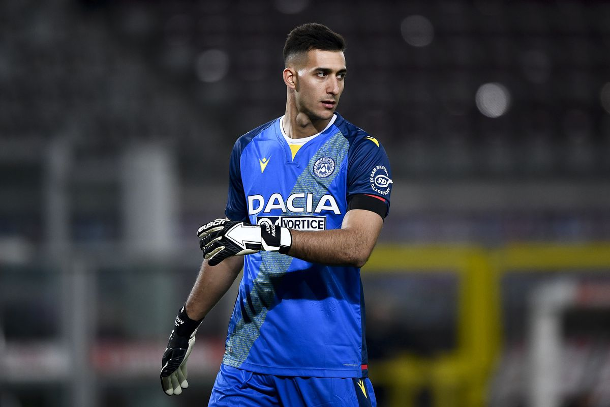 Juan Musso of Udinese Calcio looks on during the Serie A...