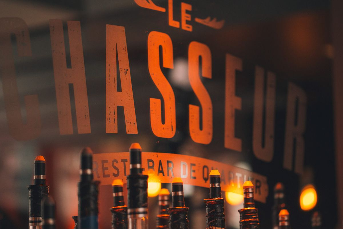 Le Chasseur serves its last in two weeks