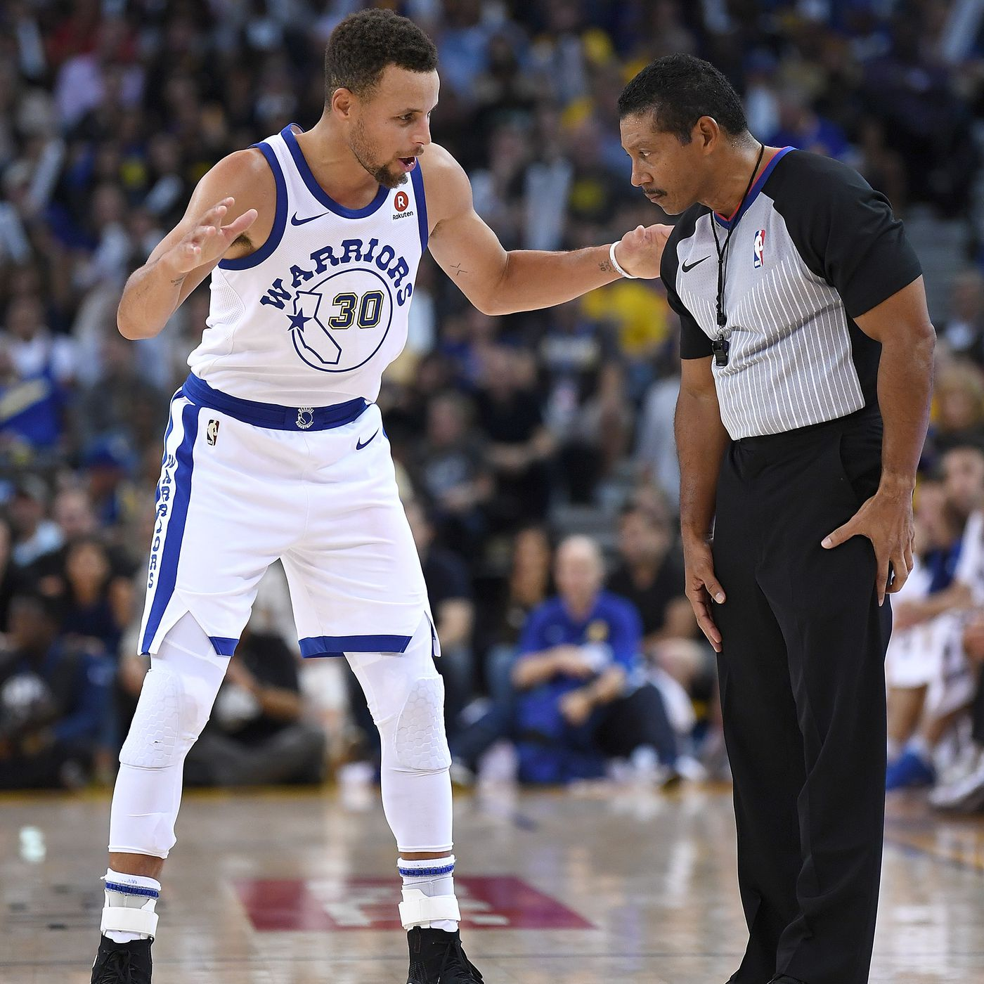 b9476387e NBA refs respond to complaints about Steph Curry being fouled off ball -  Golden State Of Mind
