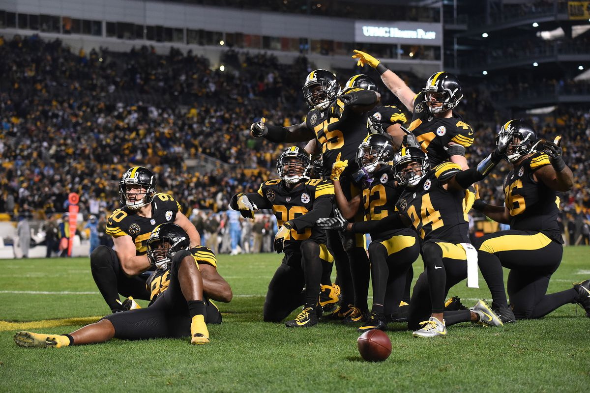 a3afa57a5e4 Saints call out Steelers for stealing their signature team photo  celebration. New ...