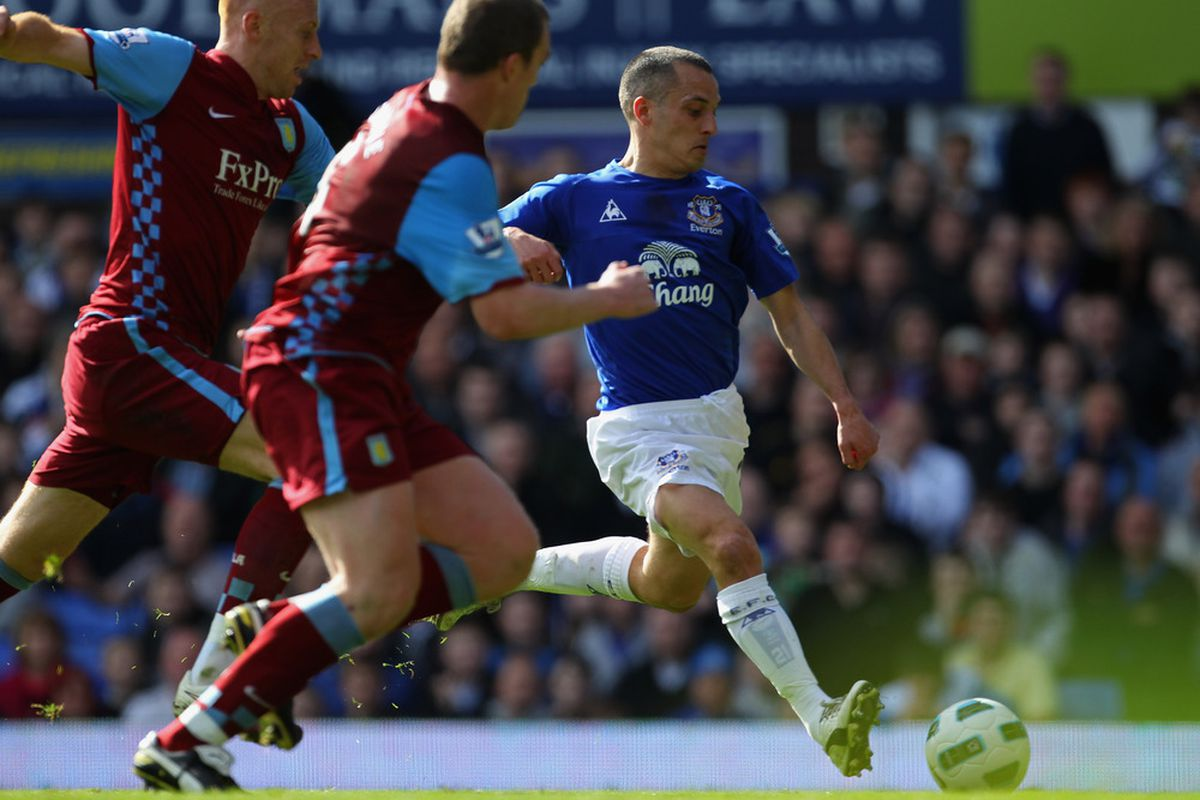 LIVERPOOL, ENGLAND - APRIL 02:  Leon Osman of Everton scores the opening goal during the Barclays Premier League match between Everton and Aston Villa at Goodison Park on April 2, 2011 in Liverpool, England.  (Photo by Alex Livesey/Getty Images)