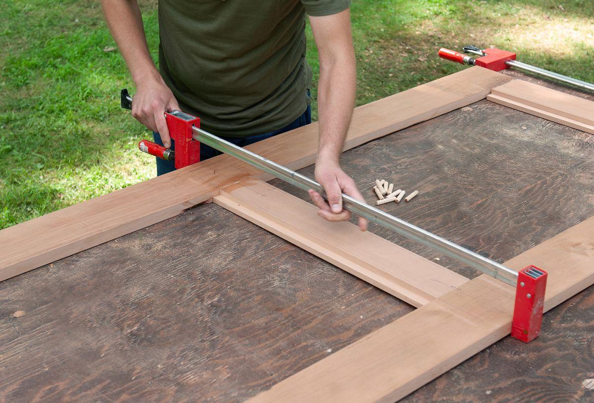 Man Dry-fits Tabletop Frame