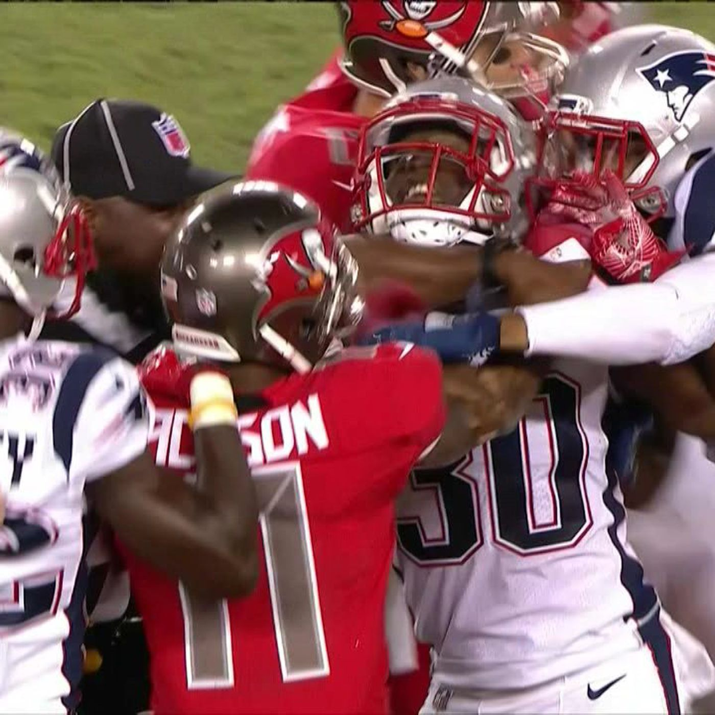 best sneakers f38b4 392a7 Patriots and Buccaneers get chippy after DeSean Jackson and ...