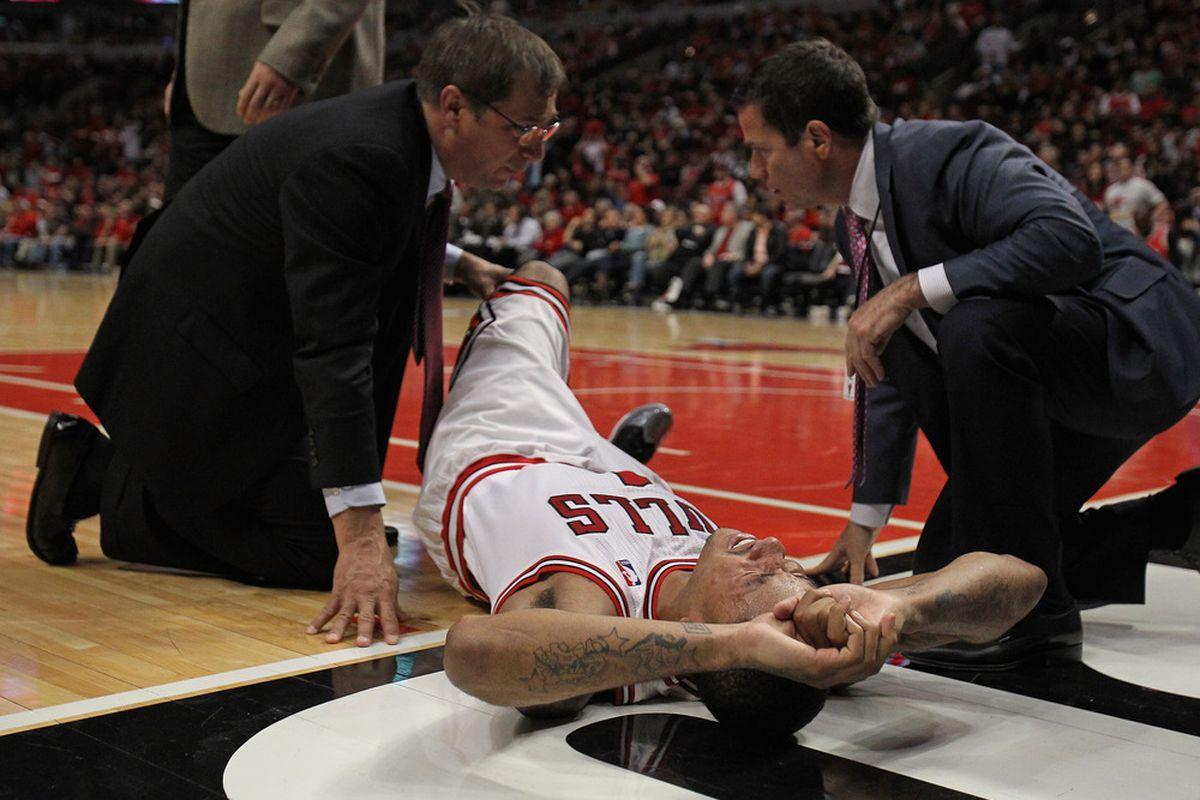 c9180b6aa64 Chicago Bulls Notebook  Derrick Rose s Torn ACL Kills Hopes And Dreams