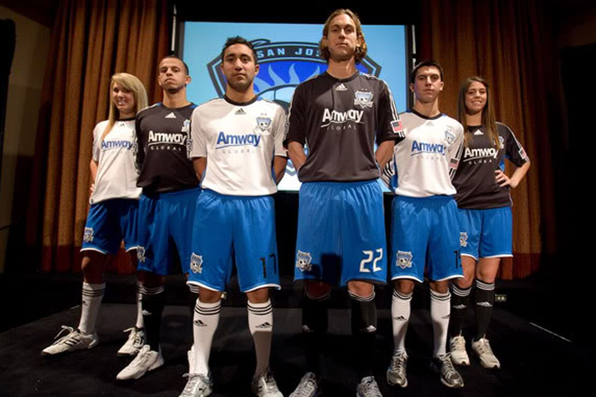 Arturo Alvarez was on the Quakes the last time they featured a white jersey!