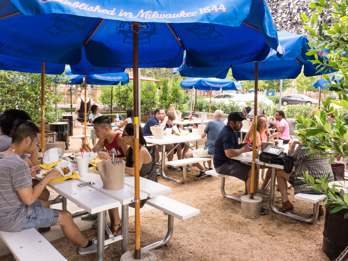 The 25 Best Patios In Dfw For Drinking And Dining Eater Dallas