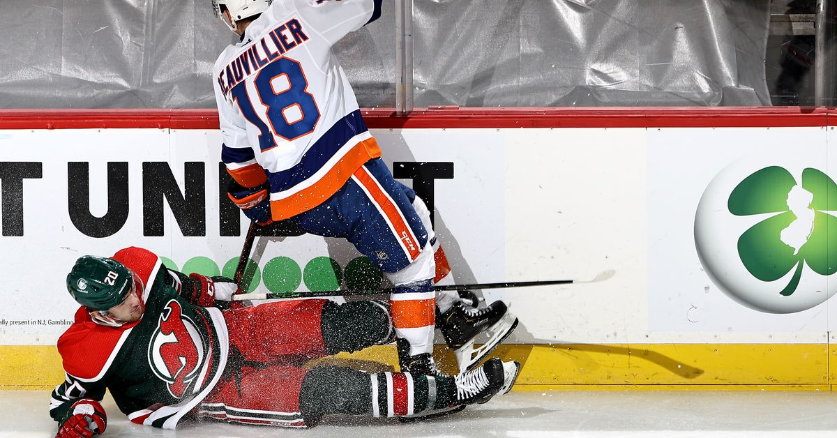Devils lose 3rd in a row as they fall 2-1 to the Islanders