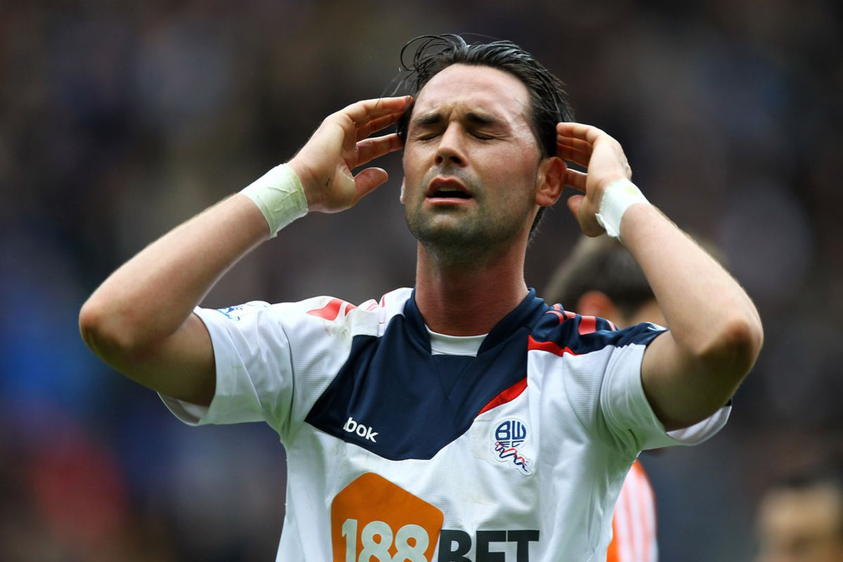 Chris Eagles misses a chance, there have been over 100 of these in 2012-2013.