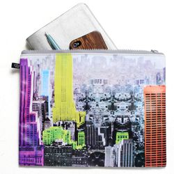 """<b><a href=""""http://f.curbed.cc/f/Birchbox_SP_072413_Tibi"""">Gift with Purchase: Tibi Empire Pouch</a></b>"""