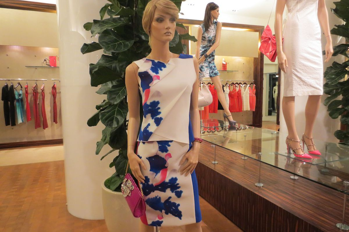 Roland Mouret at Outfit
