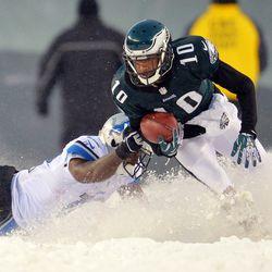 DeSean Jackson tries to run through the snow