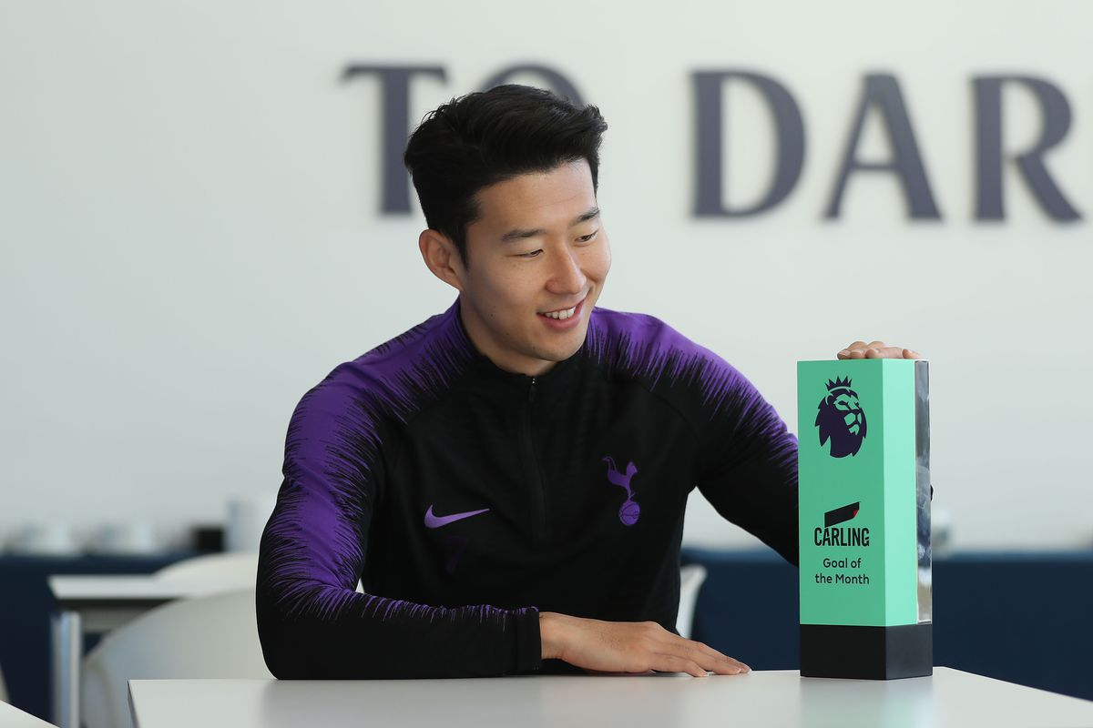 Son Heung-min Wins the Carling Goal of the Month Award - November 2018