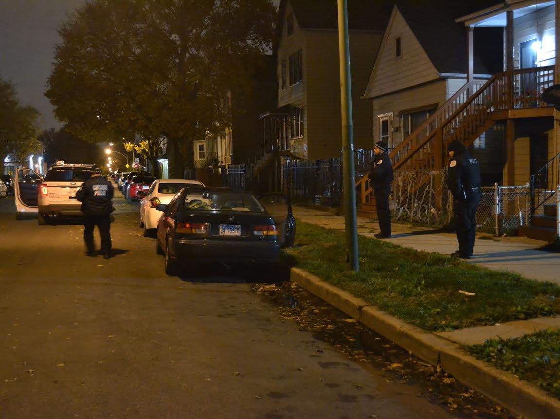Police investigate a shooting about 12:30 a.m. Thursday, November 8, 2018 in the 4800 block of South Wolcott Avenue in Chicago. | Justin Jackson/ Sun-Times