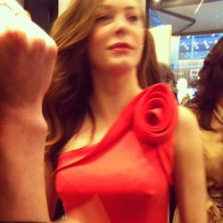Blurry encounter with Rose McGowan.