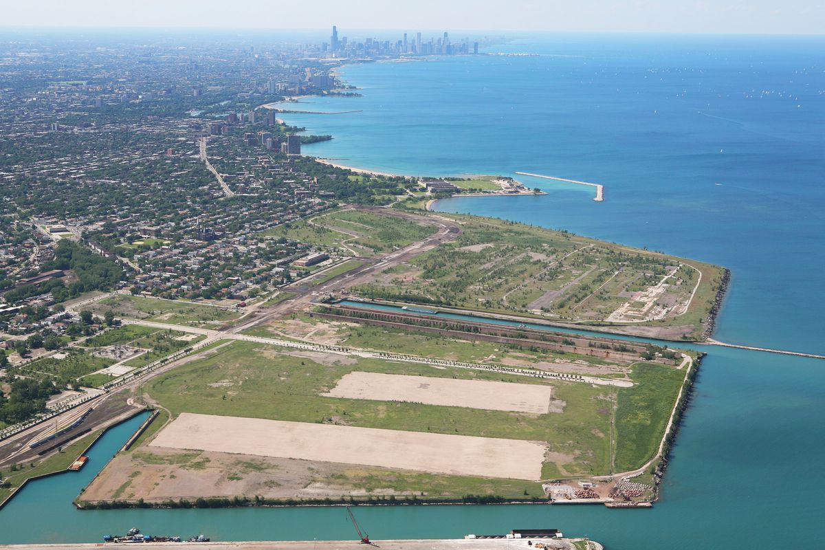 The 500-acre former U.S. Steel Southworks could be offered to the Chicago Bears as a possible stadium site, tge Chicago Sun-Times editorial board says.
