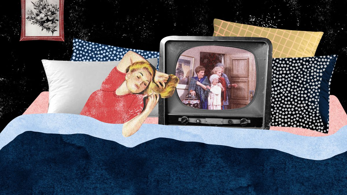 A blonde woman in a red shirt laying next to a television in a large bed. She's watching an episode of the television show Golden Girls, The scene shows all four older women crouching comedically outside of a door. Illustration.