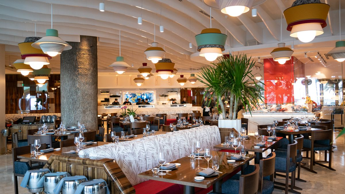 Take a look around novikov downtown miami s new colorful for Garcia s seafood grille fish market miami fl