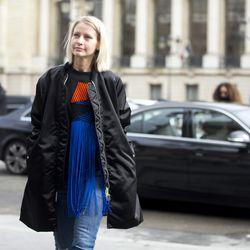 A fringe moment at Paris Fashion Week.