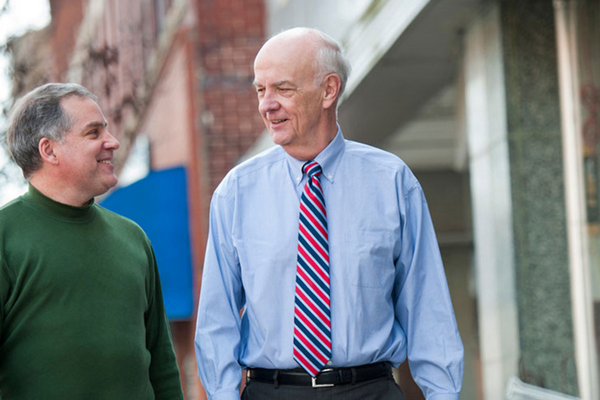 Keith Crisco, a candidate for Congress in North Carolina, died suddenly today.
