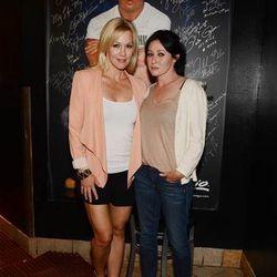 Jennie Garth and Shannen Doherty at Martorano's. Photo: Denise Truscello
